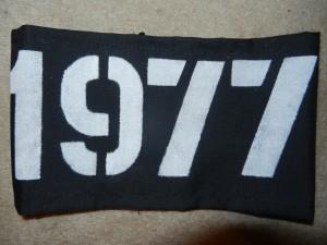 ARMBAND 1977 BLACK