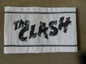 Clash logo armband